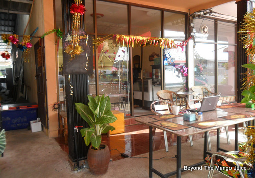 papa-farang's-bakery-udon-thani-04